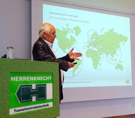 Dr. Martin Herrenknecht bei seinen Ausführungen.